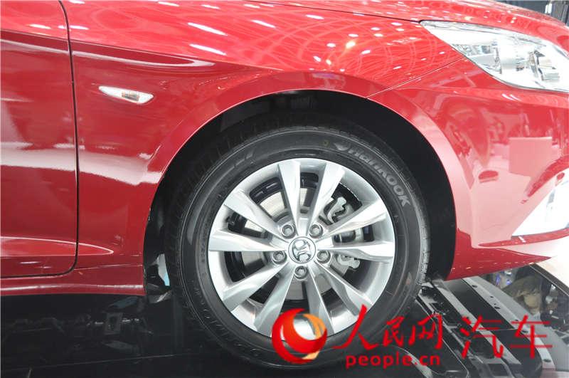 汽绅宝D50 2014北京车展人民网直击图片