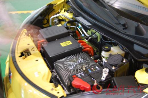 众泰纯电动汽车云100S上市 售价16.99万元高清图片
