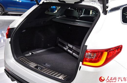 人民网汽车    k5旅行版巨大的后备箱最大容积达到533l,同时后排座椅
