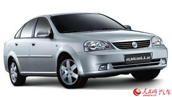 人民网北京7月29日电(鄂智超)近日记者从上汽通用官方得知,旗下的别克凯越车型将在今年8月8日正式停产,结束了其近13年的生产销售历史。  别克凯越 2003年 别克凯越最初在2003年4月19日上市,至今已销售出268万台。进入中国市场的别克凯越基于大宇Lacetti,在中国本地生产,悬挂别克品牌标识。在海外市场,该车型还悬挂雪佛兰、霍顿、铃木(合作生产)等不同品牌标识。先期生产的凯越车型搭载1.