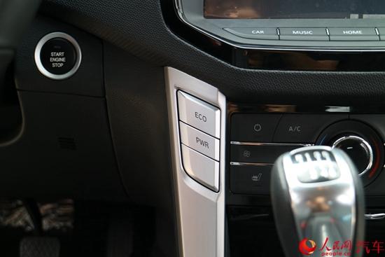 上汽大通T60皮卡、RV80房车上市 起售9.18万与26.98万元