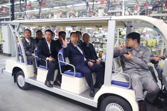 原国家机械工业部部长包叙定一行调研观致汽车常熟工厂