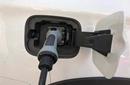 低油耗能带热混动?         新能源汽车产业的快速发展,也遇到了新的问题。 [详细]