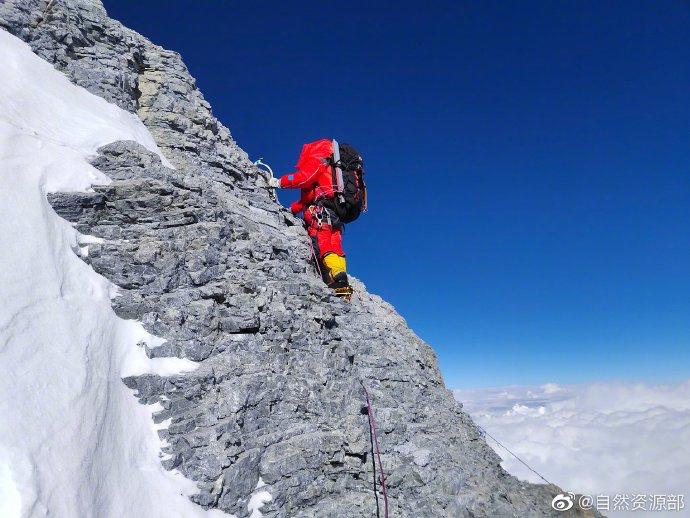 中国力量!揭秘珠峰登顶背后的越野故事