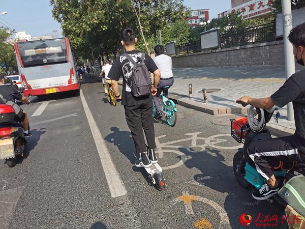 平衡车非交通工具也非玩具 使用者安全意识亟待提升