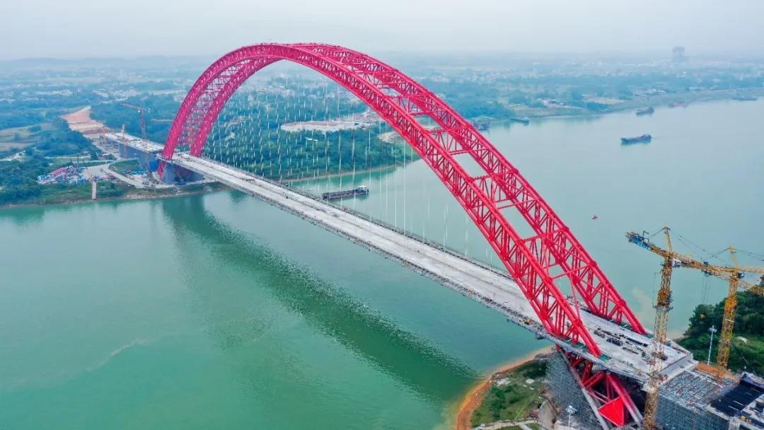 """""""平南三桥""""整体芳容已基本呈现 向建成通车再次迈进一步"""