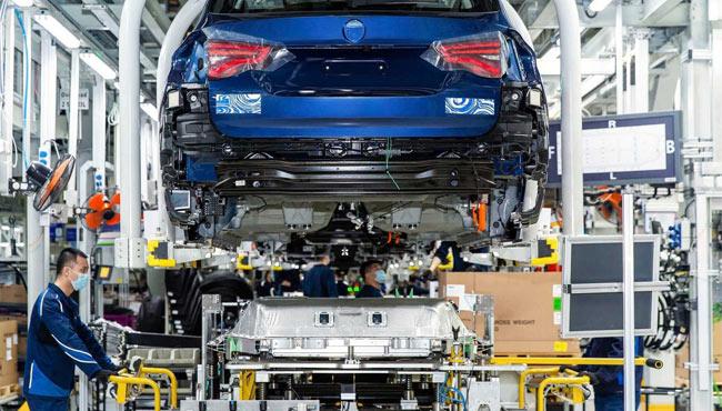 """未来15年新能源汽车""""怎么跑"""" 这份文件指明发展新路径"""