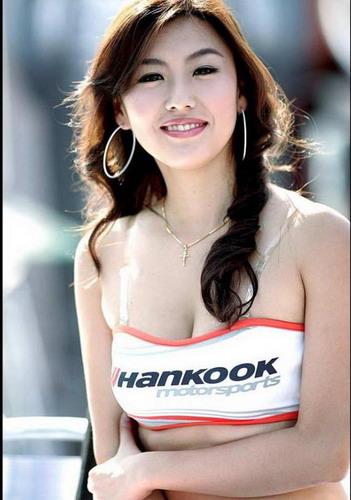 巨胸韩国赛车model