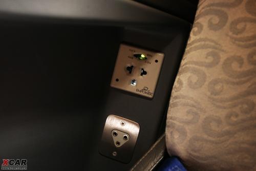 娱乐系统及耳机,电源插座