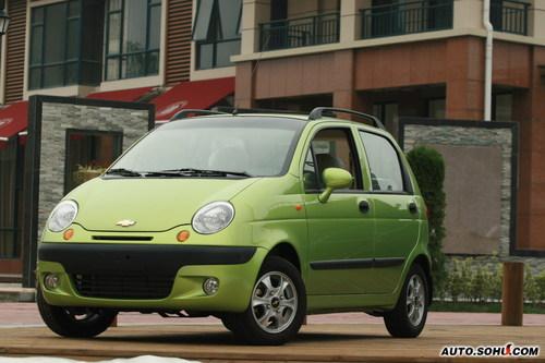 3-4万元的价位是人们对微型轿车的心理价位,再高的价格只会高清图片