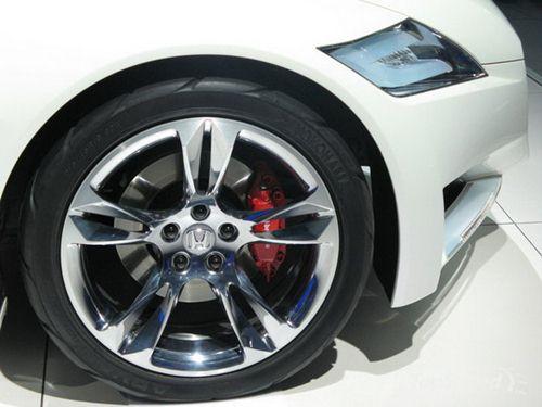 采用油电混合动力技术 本田CR Z亮相北美