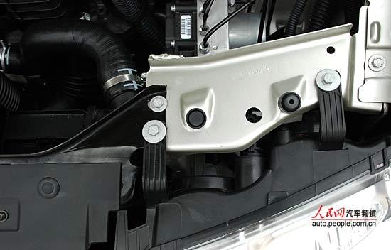 组图:新爱丽舍发动机仓细节 (6)