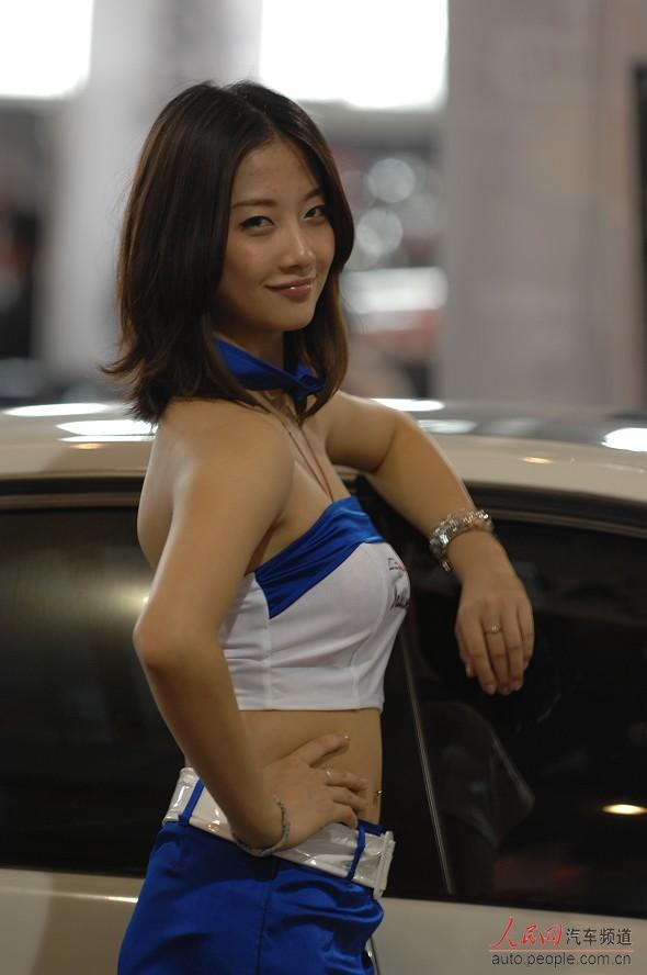 改装军装香车美女哪个部位最v军装你(12)穿的车展美女照片图片