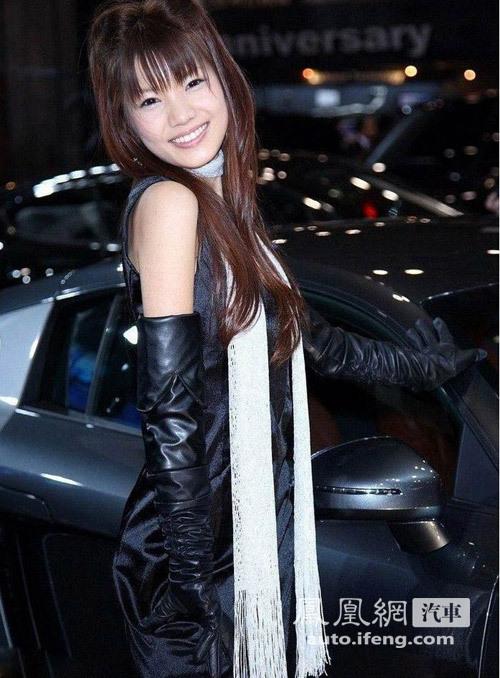 蕾丝内衣的诱惑 日本性感车模征服你眼球