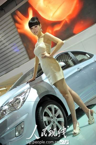 2010青岛国际车展 魅惑车模比香车更诱人